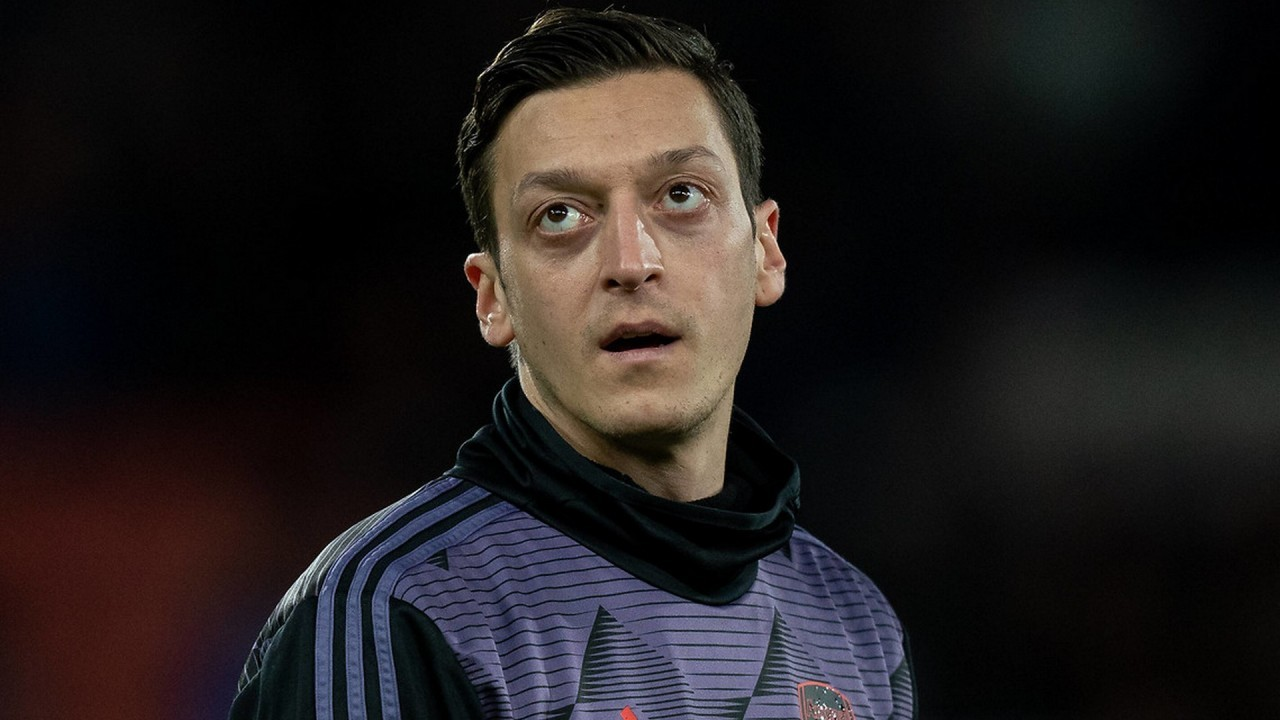 Ozil hits back at Morgan criticism with brutal response on Twitter